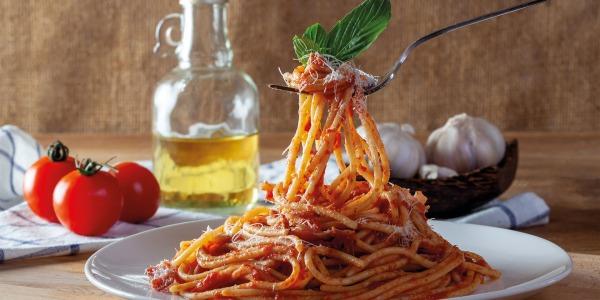 Espaguetis con salsa de ibéricos